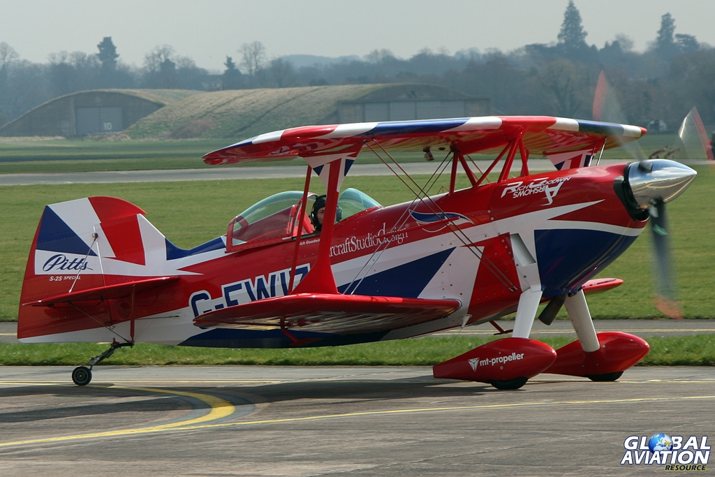 Rich Goodwin's Muscle Biplane © Gareth Stringer - Global Aviation Resource