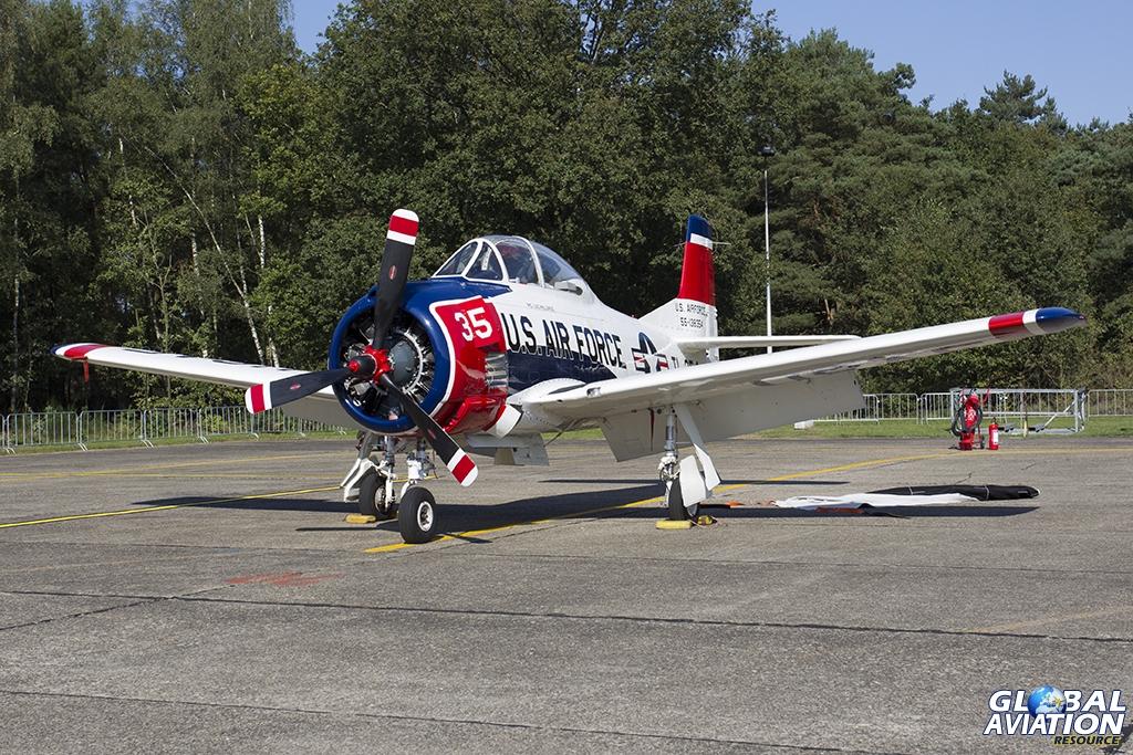 N1328B T-28B Trojan © Tom Gibbons - Global Aviation Resource