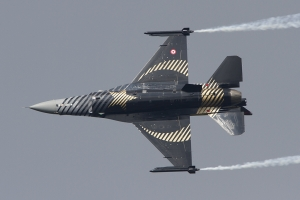 Turkish Air Force/'SOLOTÜRK', 141 Filo © Tom Gibbons - Global Aviation Resource