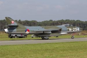 Stichting Dutch Hawker Hunter Foundation/Hunter F.6A © Tom Gibbons - Global Aviation Resource