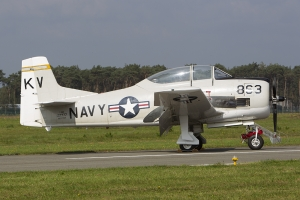 N377WW T-28B Trojan © Tom Gibbons - Global Aviation Resource