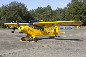 Former French Army Piper PA-18 Super Cub OO-VIW painted as 'L33'; the aircraft did not serve with the Belgian military © Tom Gibbons - Global Aviation Resource