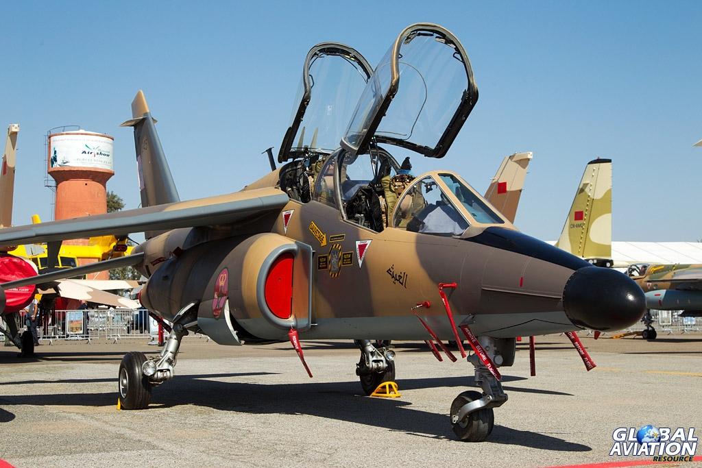 FRA: Photos avions d'entrainement et anti insurrection - Page 7 Al-Ghait-Alphajet-Photo-by-Frank-Grealish