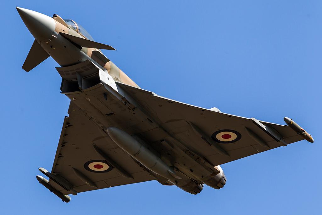Blue sky at Abingdon? Afraid not.... © Viv Porteous - www.vivporteous.co.uk