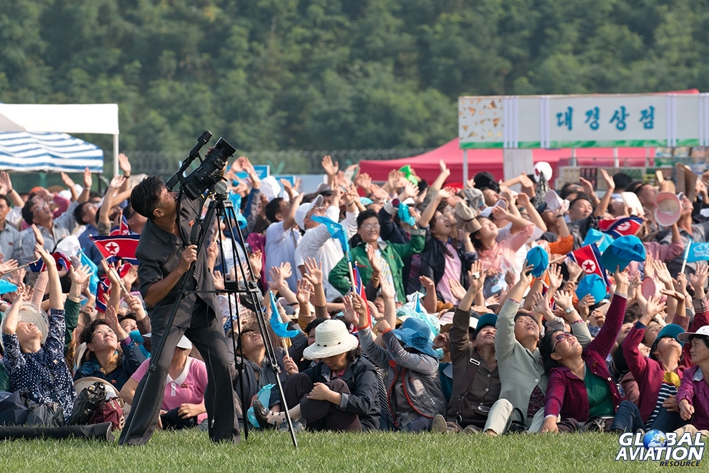 Airshow crowd and TV crew - © Paul Filmer - Global Aviation Resource
