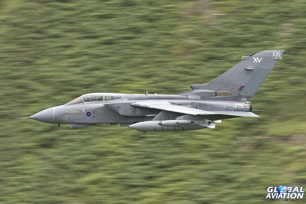 XV(R) jet at low level © Tom Gibbons - Global Aviation Resource