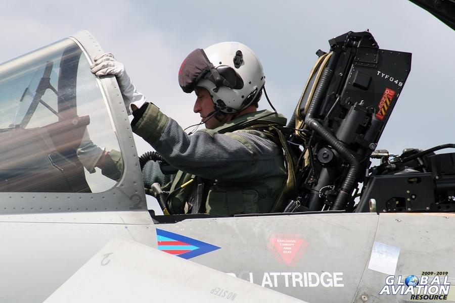 2009 RAF Typhoon Display Pilot - Flt Lt Scott Loughran - http://www.globalaviationresource.com/reports/2009/scottloughran.php © Gareth Stringer - Global Aviation Resource