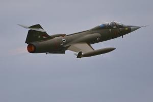 lockheed-cf-104d-starfighter---ln-stf--104637_42076518004_o