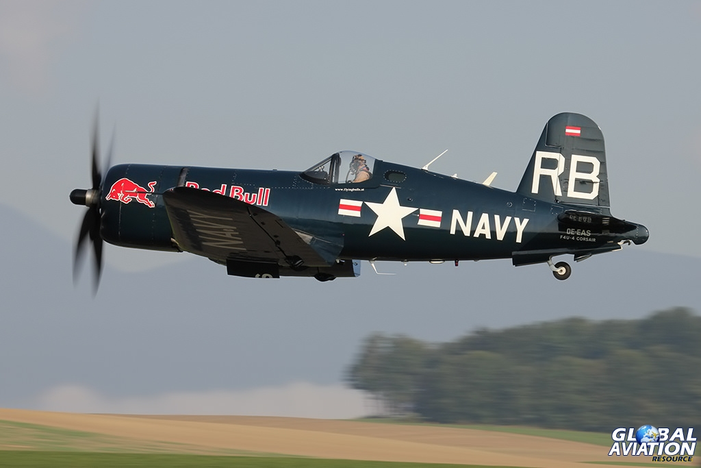 F4U-4 Corsair © Dean West - globalaviationresource.com