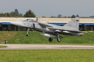 Hungarian Air Force Gripen JAS-39C © Dean West - globalaviationresource.com