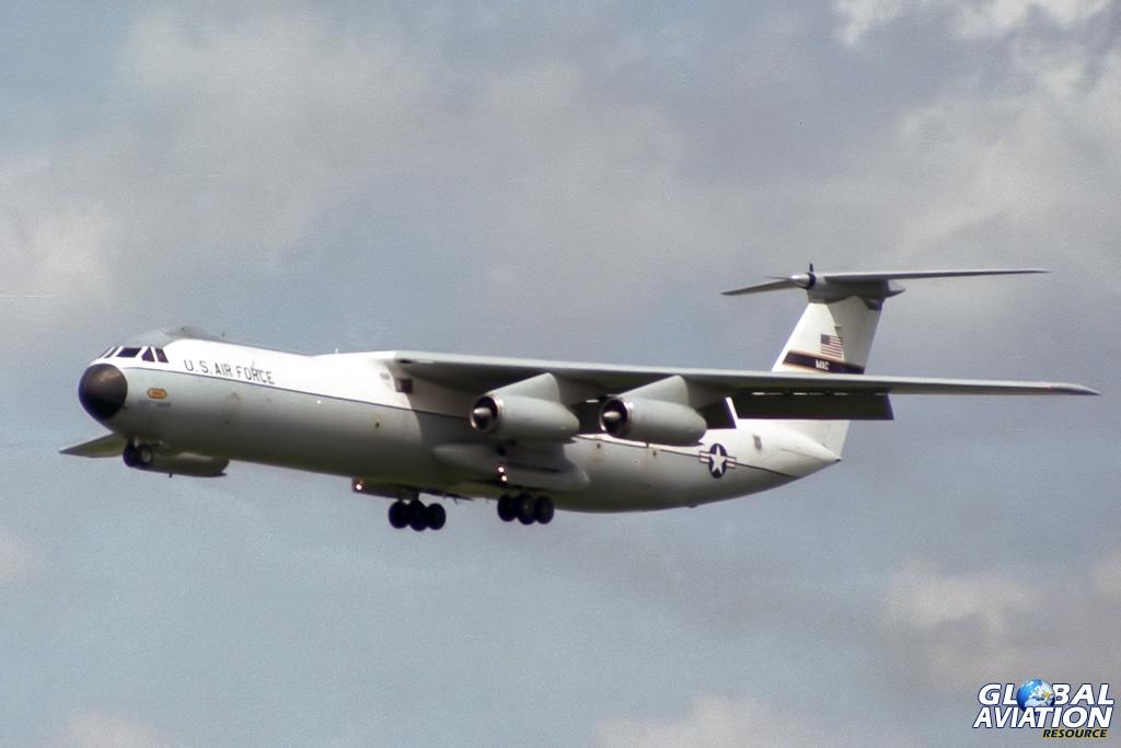 USAF C-141B 65-9401 - © Paul Filmer - Global Aviation Resource
