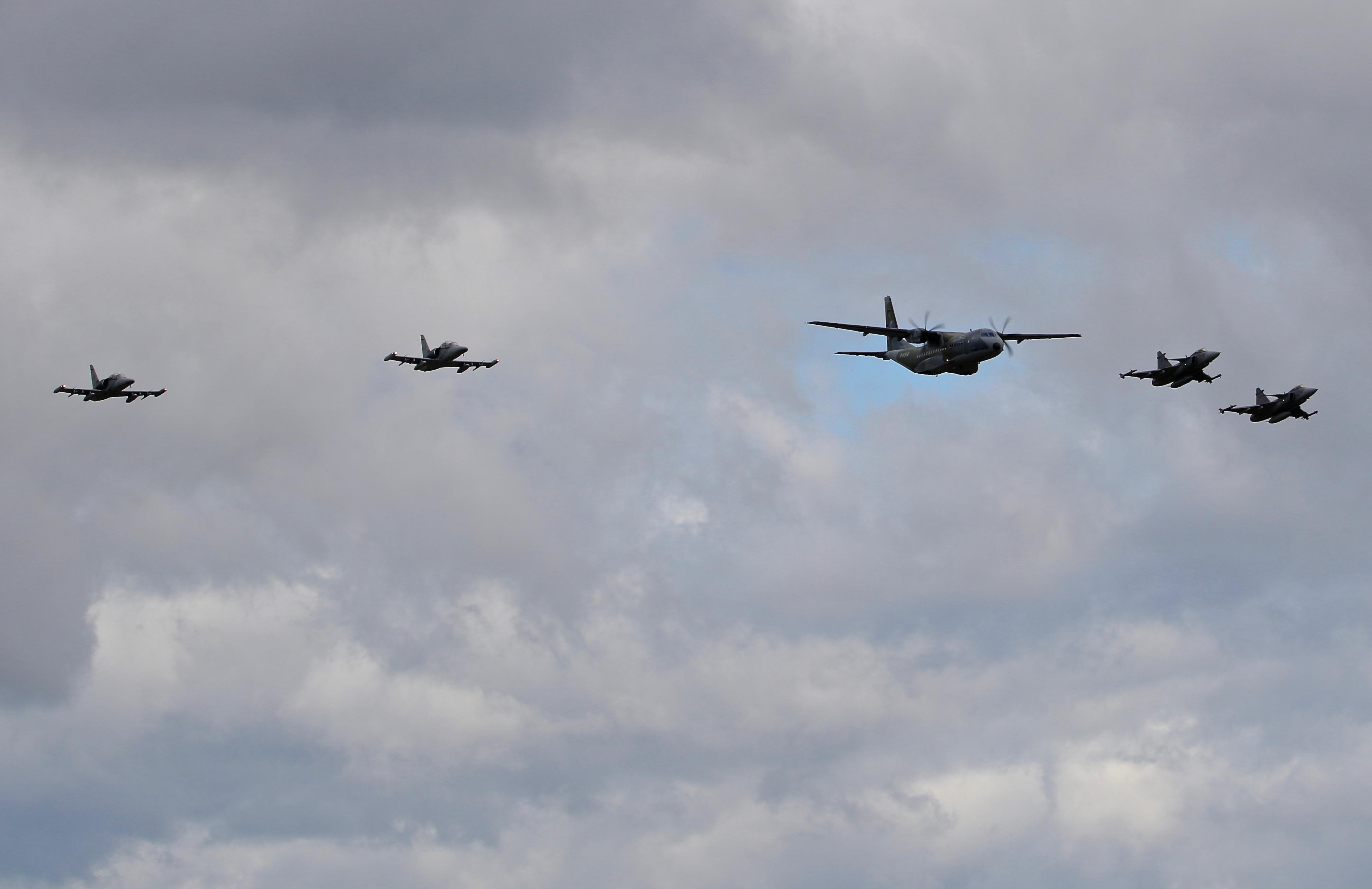 Czech AF Casa C295m, L159 Alca x2 and Jas39c Gripen x2