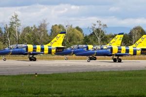 baltic-bees-jet-team---aero-l-39c-albatros-x3_39850745801_o