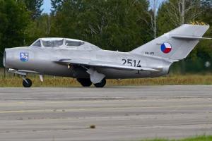 czech-flying-legends-mig-15uti---ok-uti--2514_39818046432_o