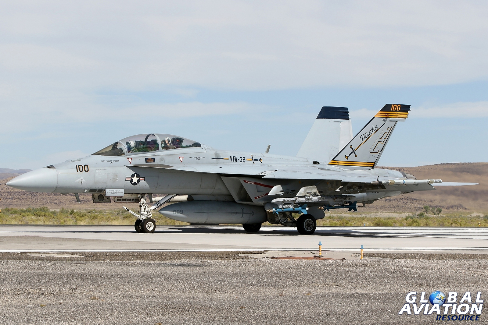VFA-32 Swordsmen F/A-18F © Paul Dunn - Global Aviation Resource