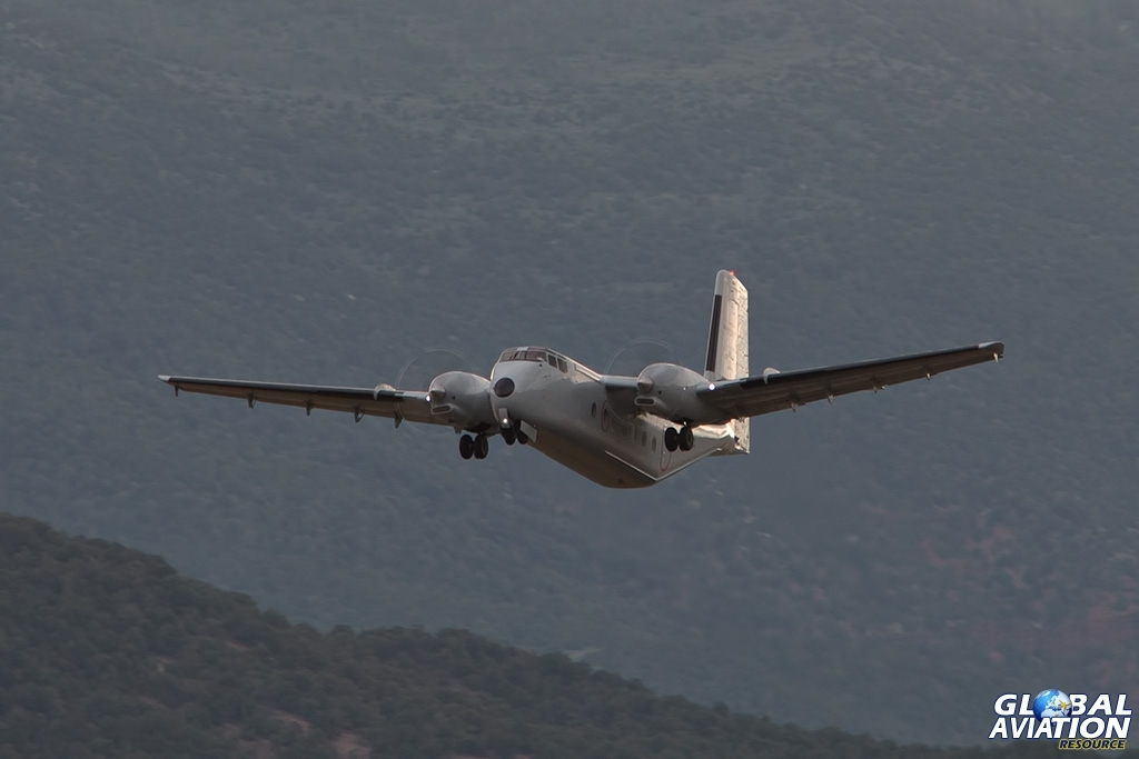 DHC-4A - © Paul Filmer - Global Aviation Resource