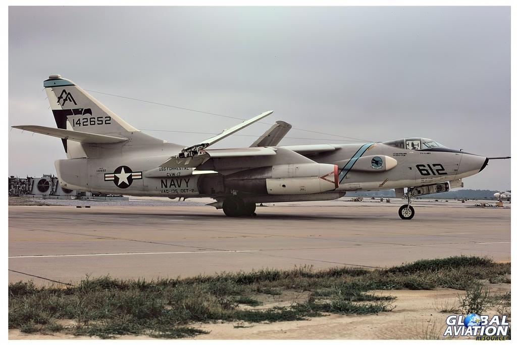 EKA-3B - 142652 -VAQ-135 - Det 2 - Oceana - 09/72 © Lindsay Peacock - Global Aviation Resource
