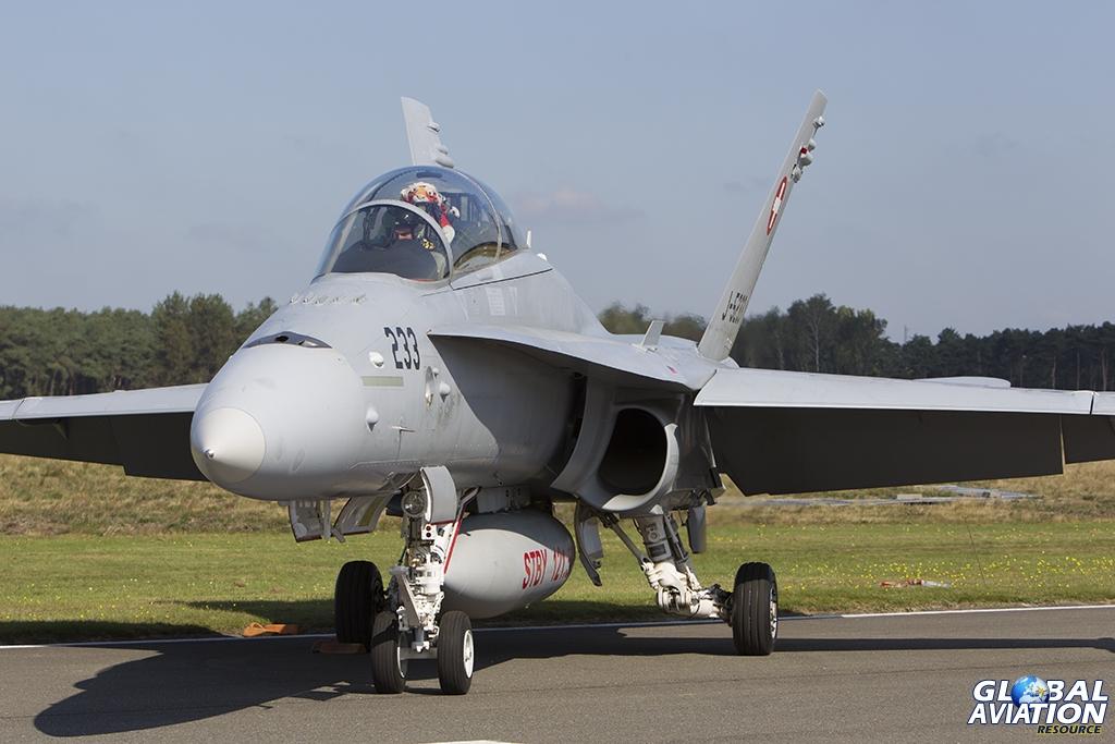 Swiss Air Force/Fliegerstaffel 11 F/A-18D Hornet © Tom Gibbons - Global Aviation Resource