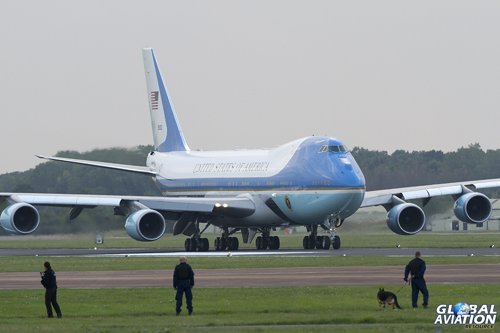 Security for Mr President © Tom Gibbons www.globalaviationresource.com