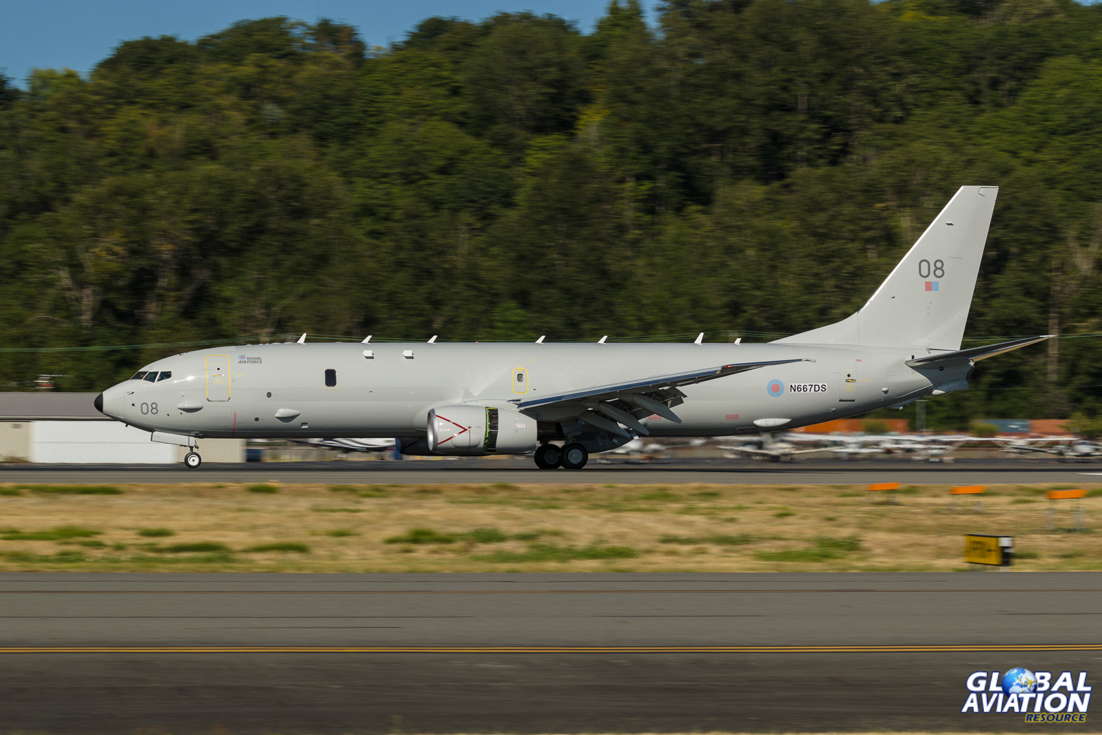 Rolling out at Boeing Field - © Rob Edgcumbe - Global Aviation Resource