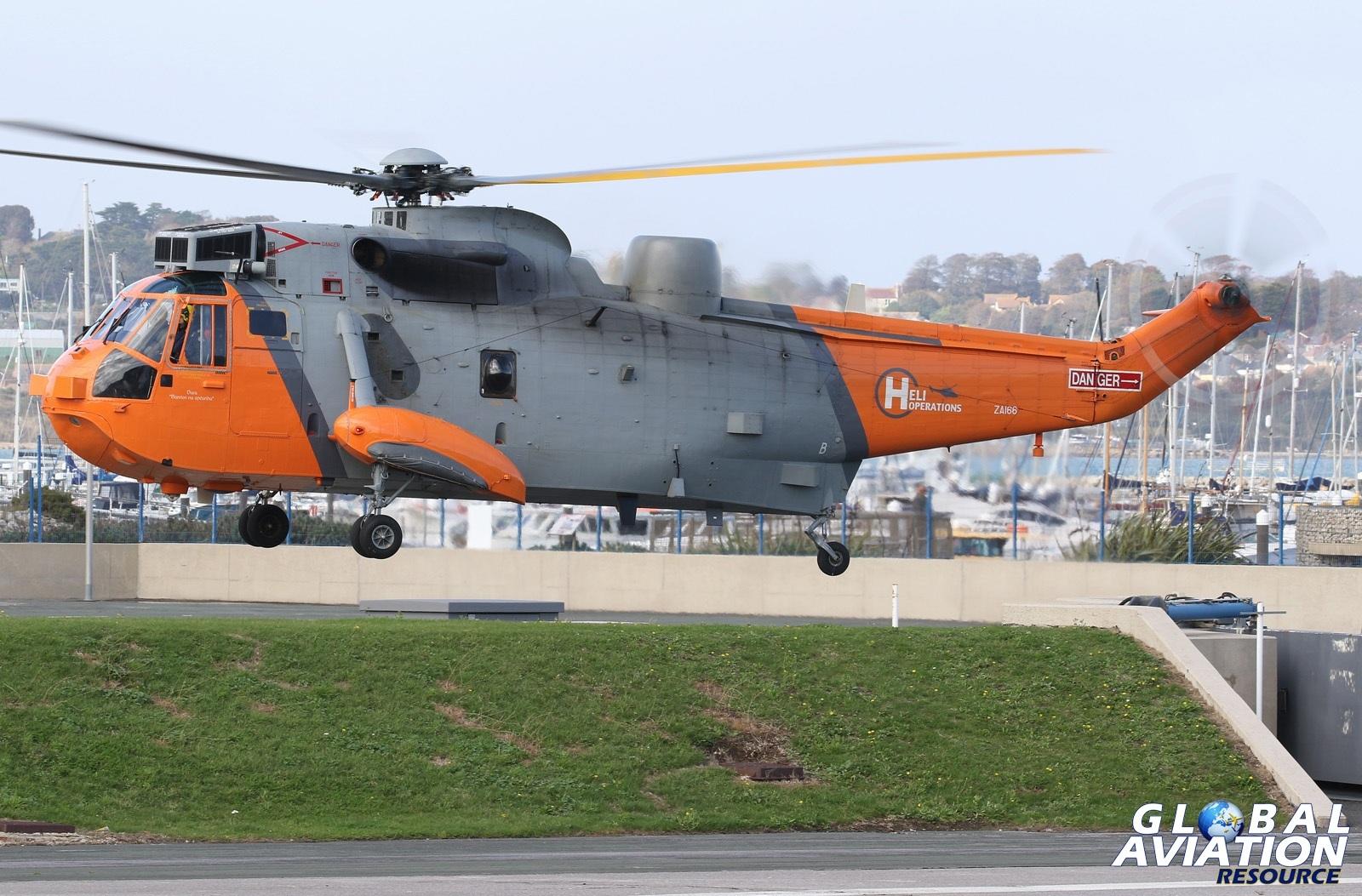 ZA166 Sea King - © Kevin Wills - Global Aviation Resource
