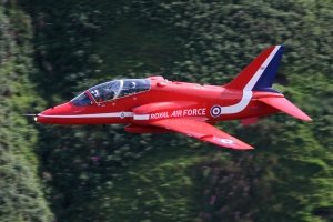 A low level Red Arrow © Kevin Wills - www.globalaviationresource.com
