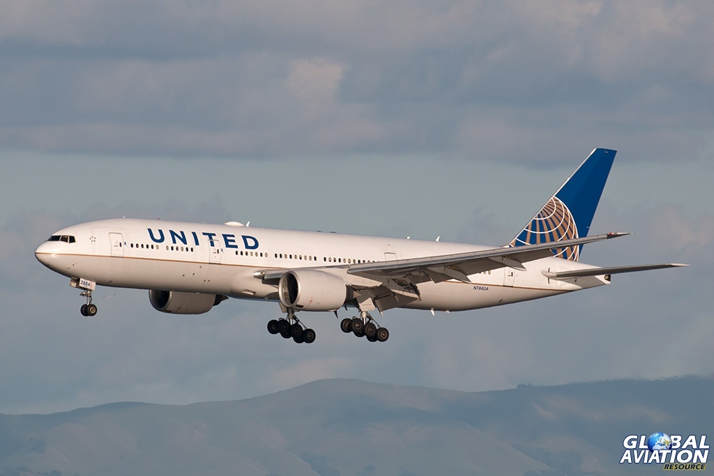 UAL Boeing 777 - © Paul Filmer - Global Aviation Resource