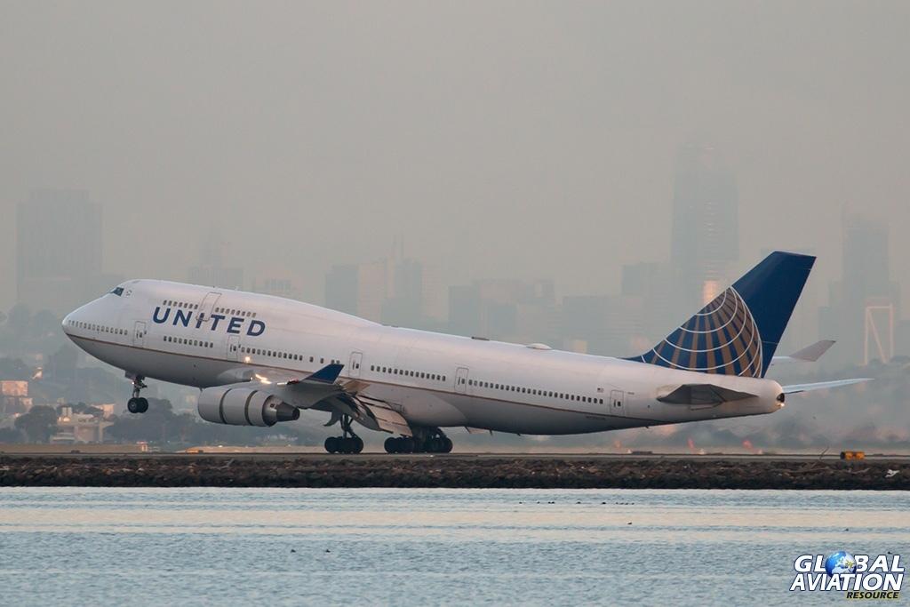 UAL Boeing 747-400 - © Paul Filmer - Global Aviation Resource