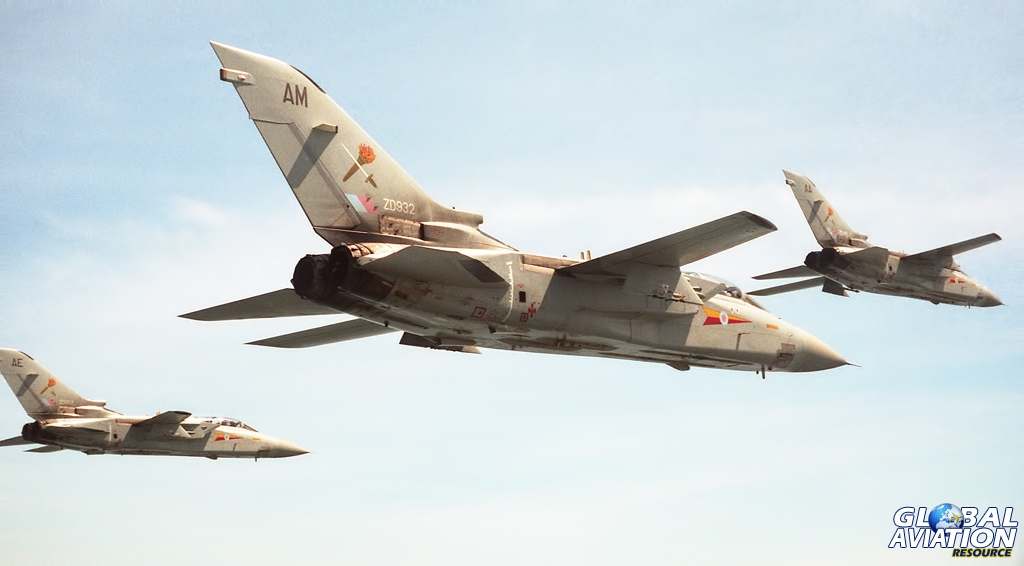 Tornado F2s of No. 229 Operational Conversion Unit in close formation © Dave Gledhill