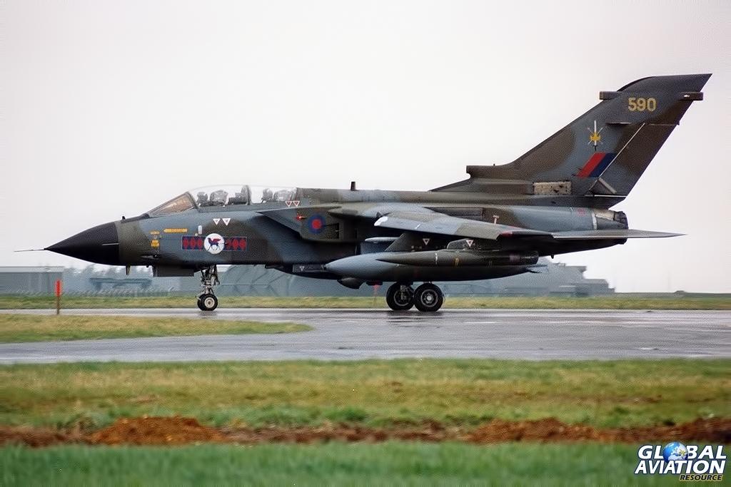 ZA590 GR.1 TWCU / 45 Squadron RAF Honington 1990 © John Higgins - www.globalaviationresource.com