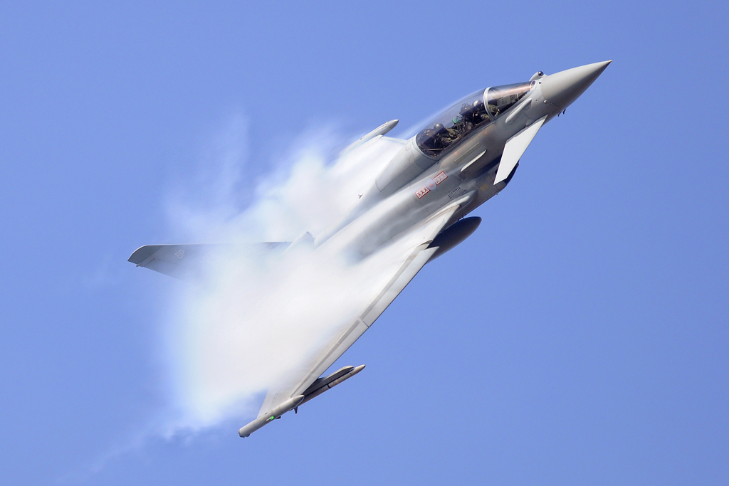 Airshow Feature – RAF Typhoon display mid-season update