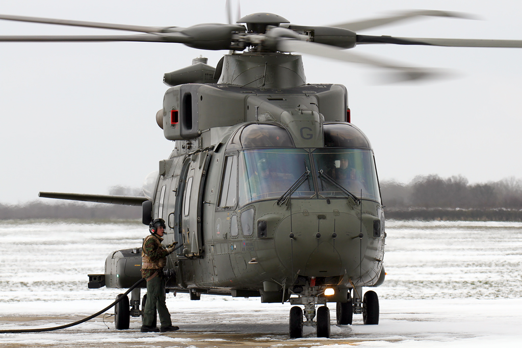 BlogGAR – Karl Drage – 78 Sqn Merlin HC3 in the snow at Sywell