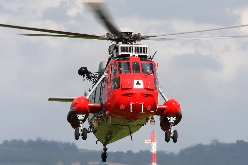 Aviation News – RN commemorates 60 years of SAR with special colours