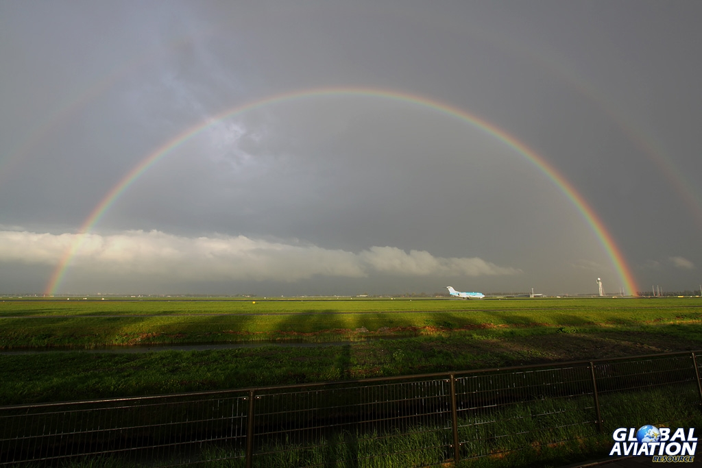 BlogGAR – Karl Drage – Somewhere over the rainbow – At Amsterdam-Schiphol