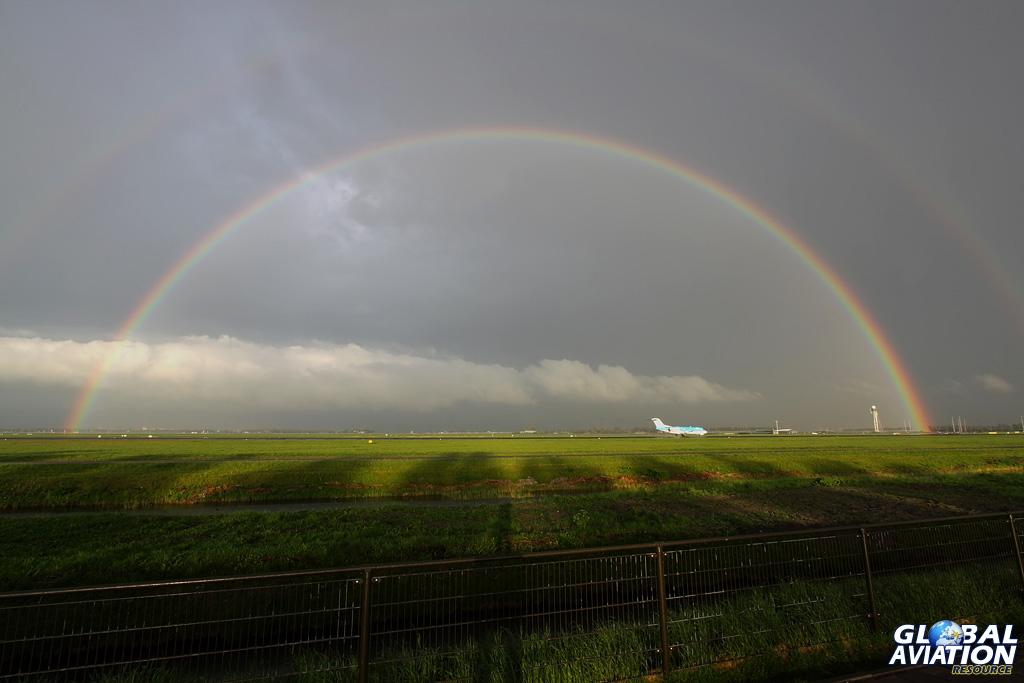BlogGAR – Karl Drage – Somewhere over the rainbow – At Amsterdam-Schiphol