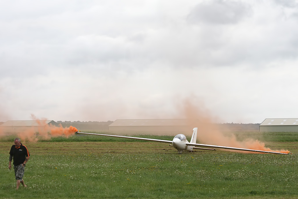 Aviation Video – Flying a Glider