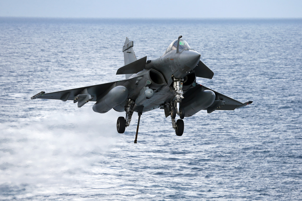 Military Exercise – 11 Flottille's Rafales work-up on R91, Charles de Gaulle