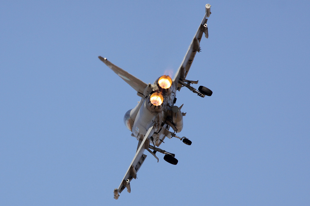 BlogGAR – Karl Drage – RAF Typhoon Display at Al Ain 2013