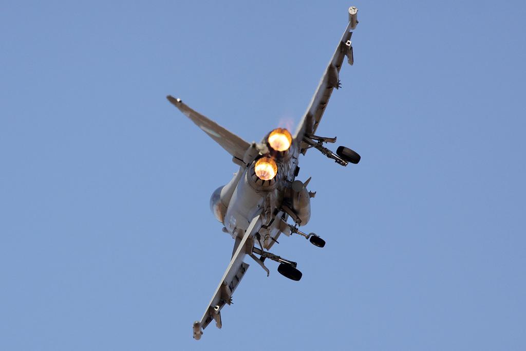 BlogGAR – Karl Drage – RAF Typhoon Display at Al Ain 2013