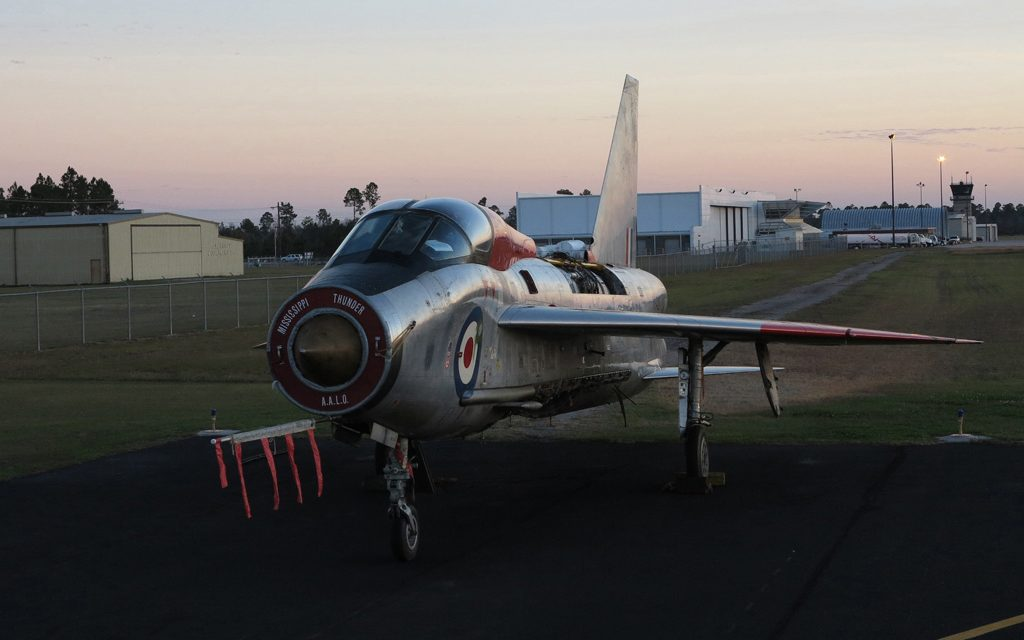 Aviation Feature – English Electric Lightning T5 XS422